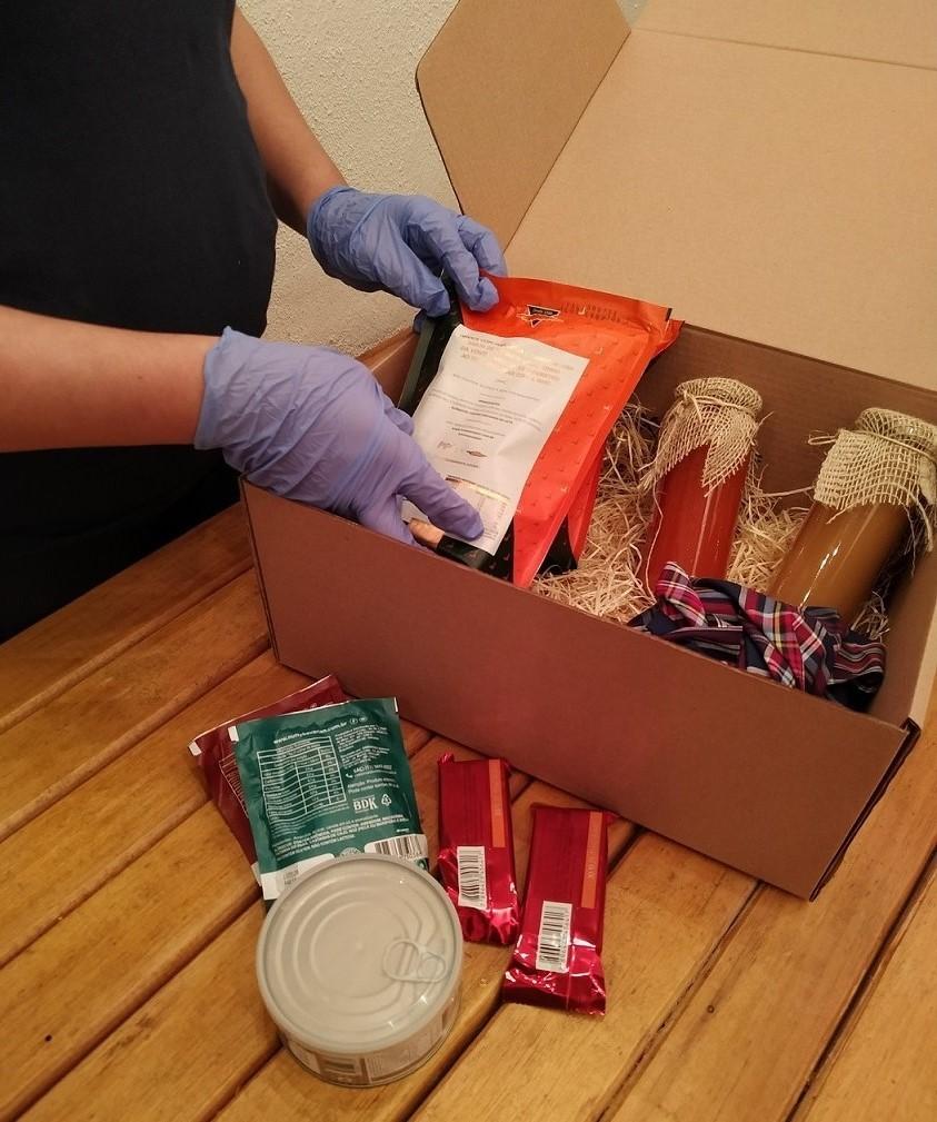Entre os negócios da TSB Etc, está a entrega de caixas com kits para funcionários de empresas e participantes de eventos digitais