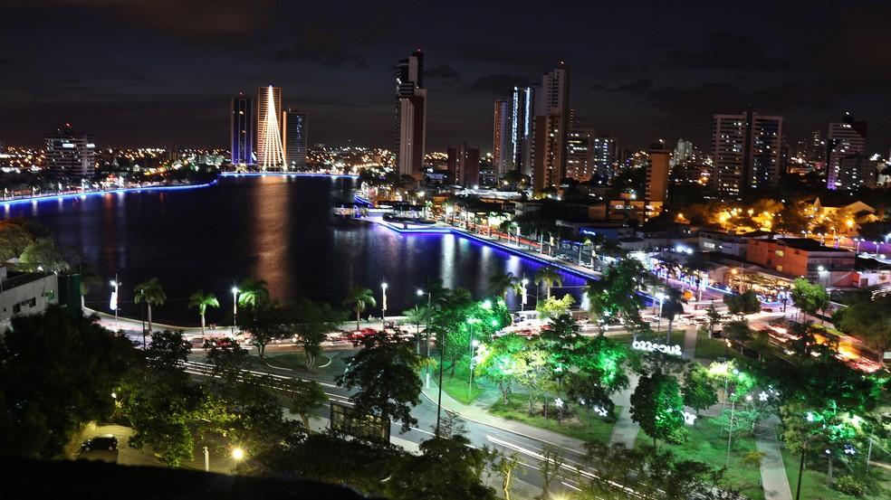 Iluminação de Natal na cidade de Campina Grande, na Paraíba, em 2017 — Foto: Artur Lira/G1 PB
