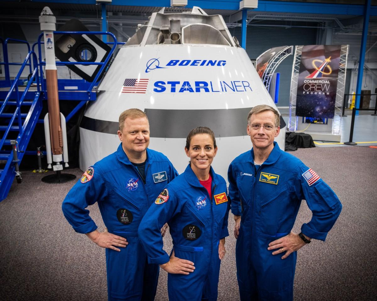 Da esquerda para direita: Eric Boe, Nicole Mann e Chris Ferguson (Foto: Divulgação/NASA)