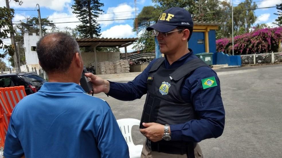 Ao todo, foram realizados 80.113 testes com o bafômetro nas estradas federais em PE (Foto: Polícia Rodoviária Federal/Divulgação)