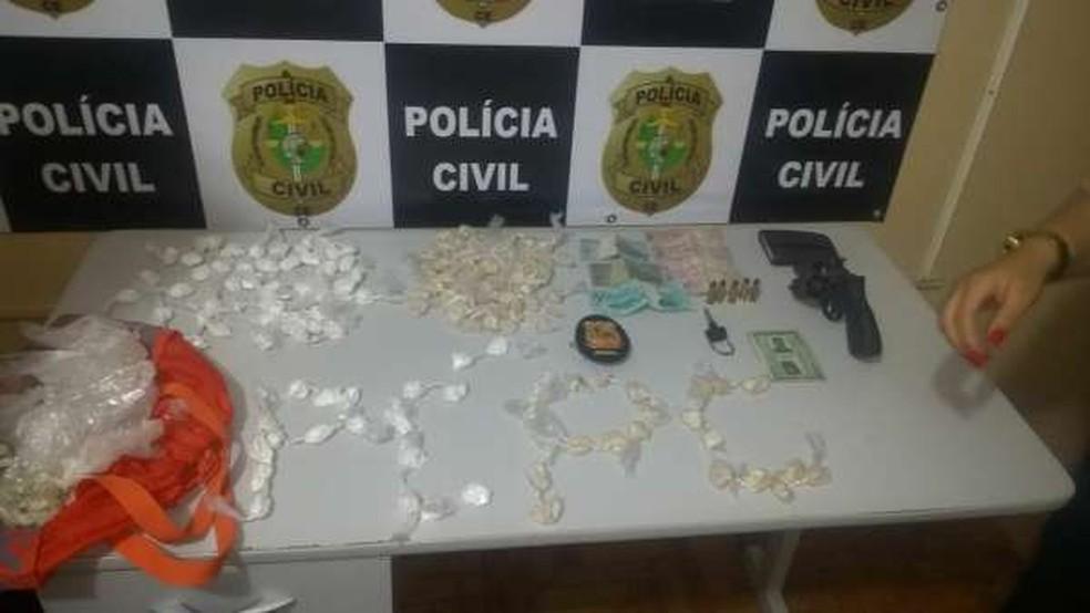 Todo o material apreendido foi levado para a Delegacia Municipal de Quixeramobim — Foto: Divulgação/Polícia Civil