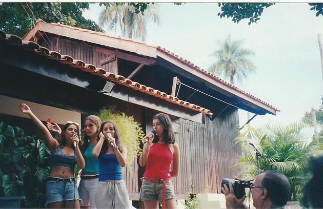 Bruna Thedy, Karina Dohme, Sandy e Fernanda Paes Leme cantando juntas (Foto: Arquivo pessoal)
