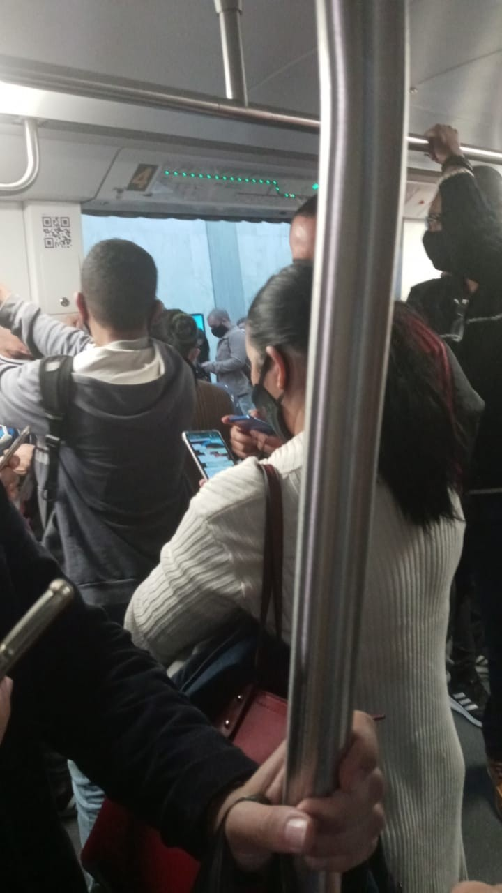 Principio de incêndio interrompe funcionamento do metrô do Rio