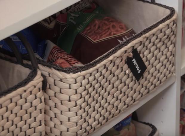 As cestas ficam na parte inferior e também são etiquetadas (Foto: Youtube/ Reprodução)