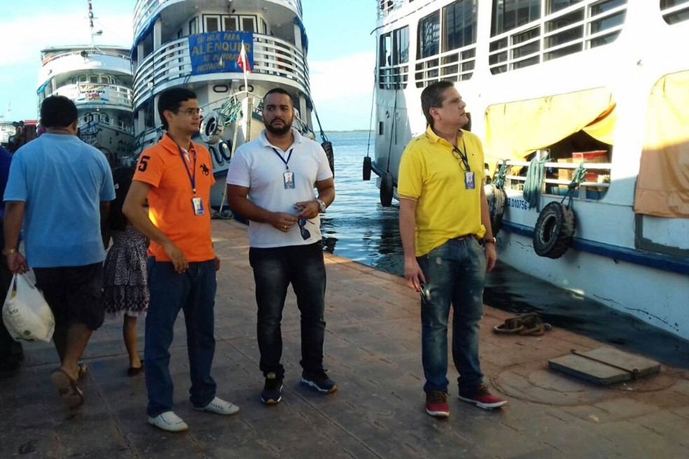 Arcon fiscaliza embarcações (Foto: Divulgação/Arcon)