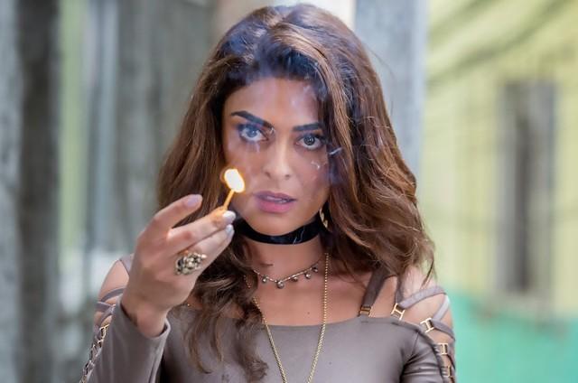 Juliana Paes vive Bibi Perigosa em 'A força do querer' (Foto: Reprodução)