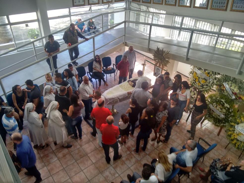 Velório de Rômulo Gouveia começou na Câmara Municipal de Campina Grande (Foto: Josusmar Barbosa/Jornal da Paraíba)