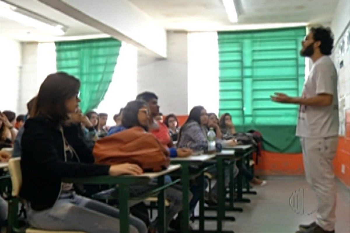 Professores do Alto Tietê são voluntários em cursinhos preparatórios para o Enem 2017