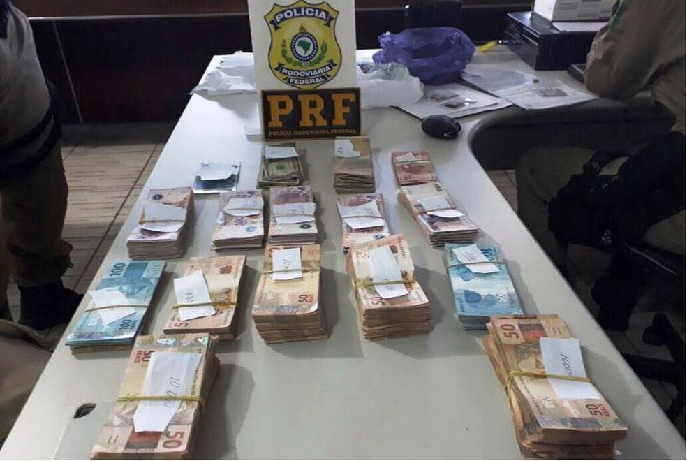 Apreensão foi entregue à Receita Federal de Joaçaba (Foto: PRF/Divulgação)