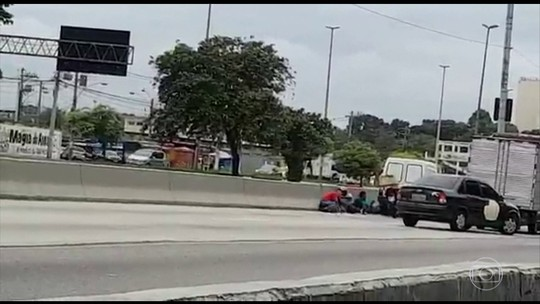 Cinco pessoas são baleadas em assalto na Avenida Brasil