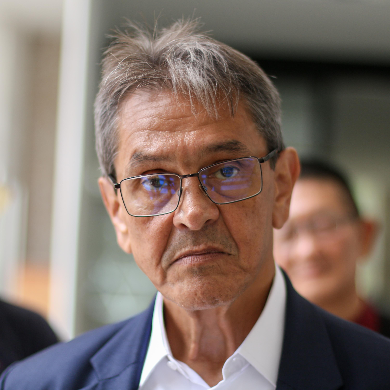 Roberto Jefferson pede atendimento médico e é levado para hospital em Bangu