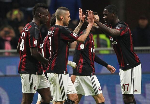 Milan, uma das principais e mais bem-sucedidas equipes de futebol da Itália  (Foto: Marco Luzzani/Getty Images)