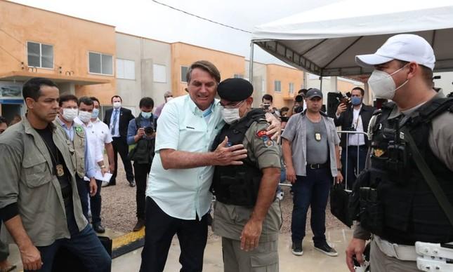 Bolsonaro e o tenente-coronel Marcos Vanderlei, da PM de Alagoas