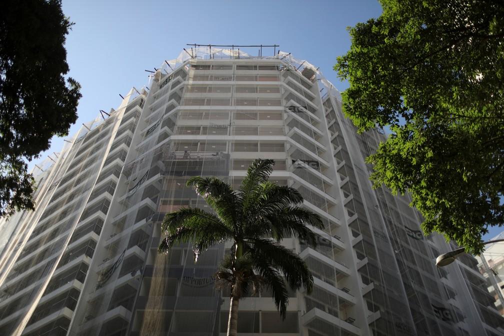 Prédio em construção no Rio de Janeiro — Foto: Pilar Olivares/Reuters