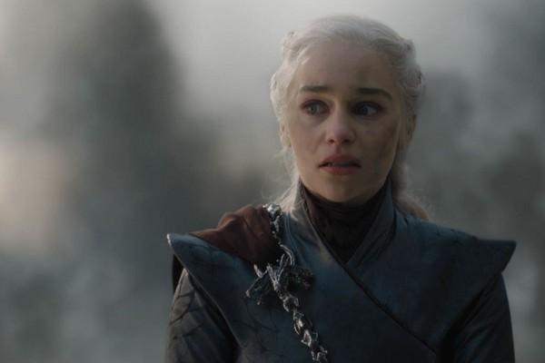 A atriz Emilia Clarke em cena de um dos últimos episódios da oitava temporada de Game of Thrones (Foto: Reprodução)