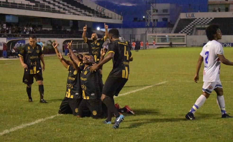 Maranhão perdeu a segunda partida para o Central, em Pernambuco — Foto: Dayvson Robert / Portal no Detalhe