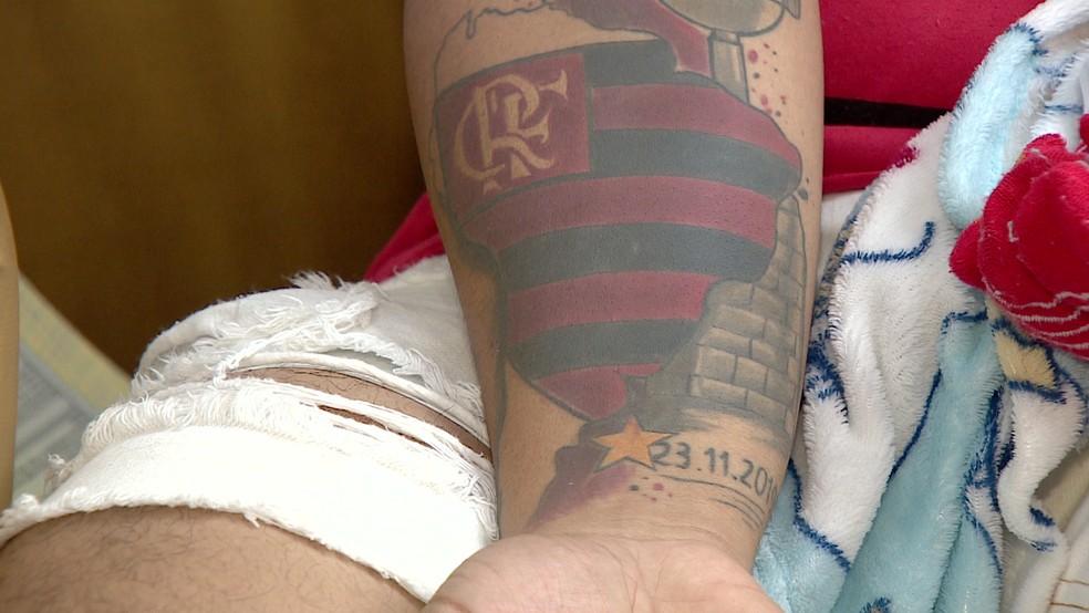 Gênesis tem uma tatuagem em homenagem ao título da Libertadores — Foto: Reprodução