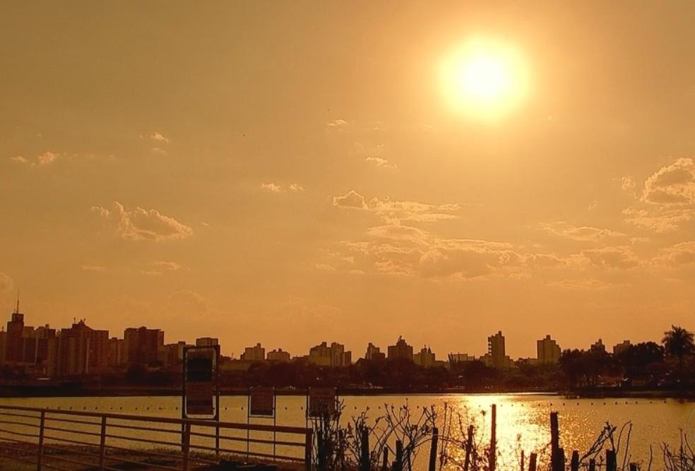Tempo seco prejudica a respiração; cidades registram calor e baixa umidade do ar — Foto: Reprodução/TV TEM