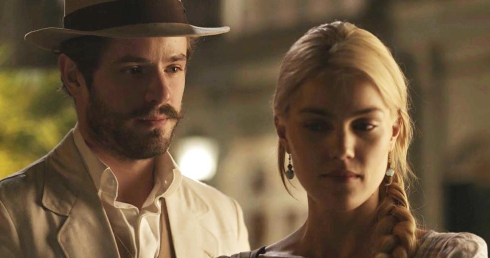 Camilo deseja o perdão de Jane  (Foto: TV Globo)