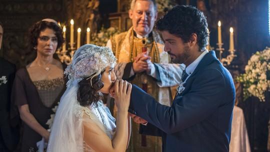 'Tempo de Amar': Lucinda e Inácio se casam, enquanto Maria Vitória se despede do amado em cerimônia simbólica