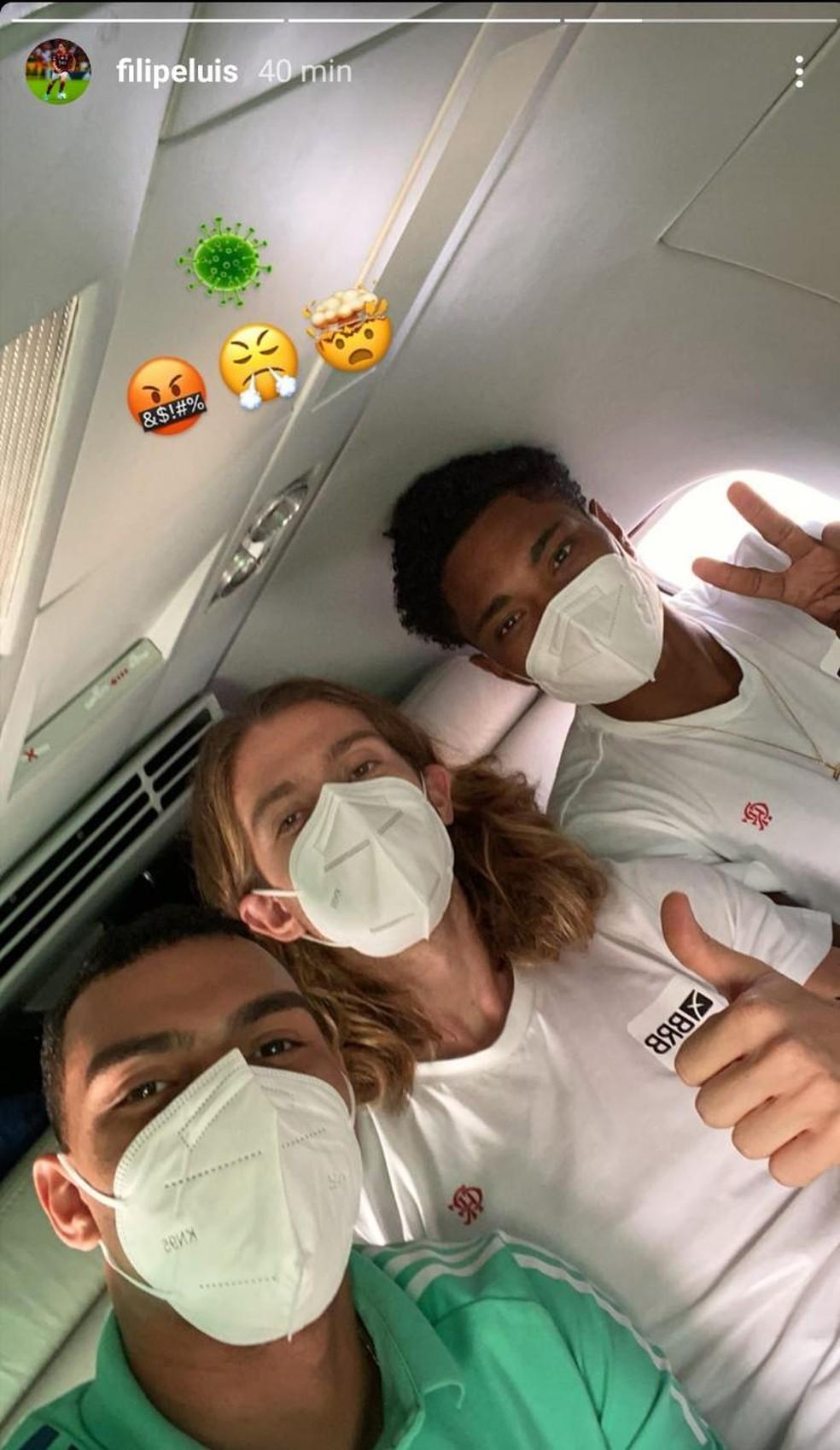 Jogadores com Covid-19 voltaram para o Rio de Janeiro antes mesmo da partida em Guayaquil — Foto: Reprodução