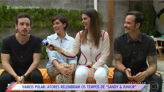 Atores relembram início da amizade em seriado de Sandy e Junior