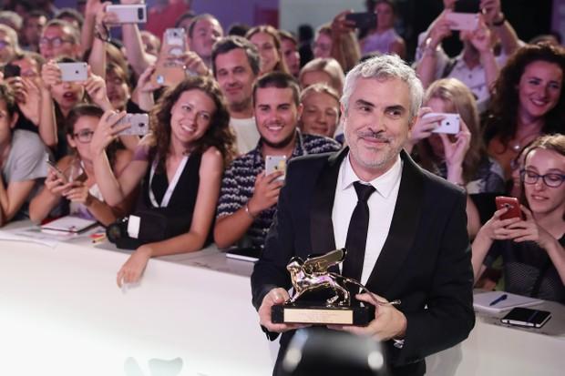 Alfonso Cuáron vence o Leão de Ouro no Festival de Veneza (Foto: Getty Images)