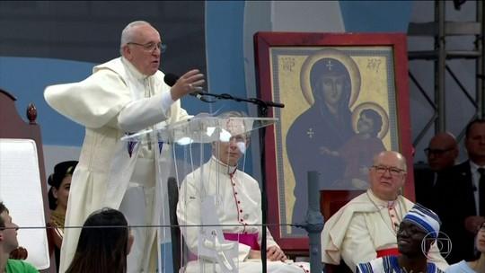 Papa diz que feminicídio é uma praga que assola a América Latina