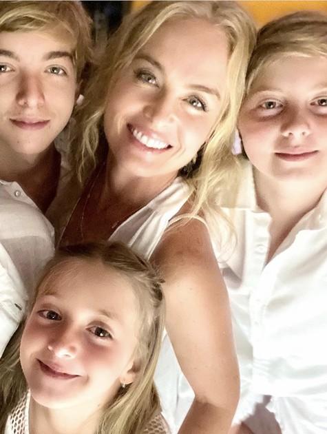 Angélica com os filhos (Foto: Reprodução)