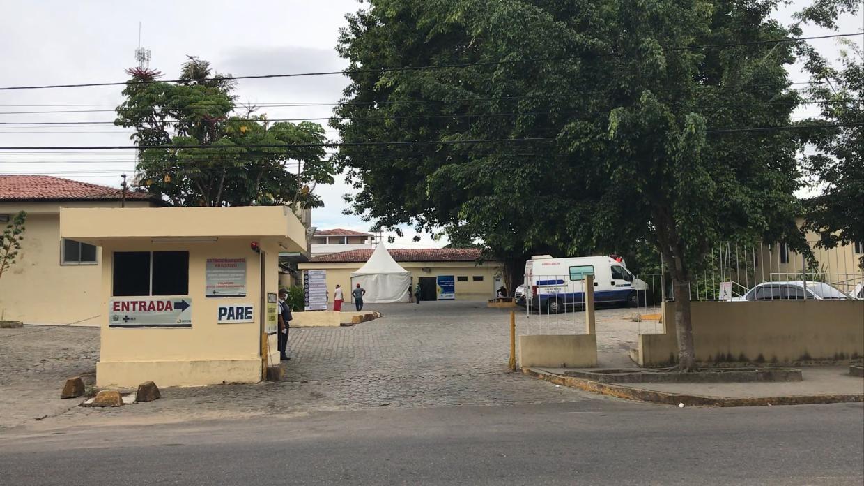 Corpo de homem é enterrado por outra família após ser trocado no Hospital Dom Moura em Garanhuns
