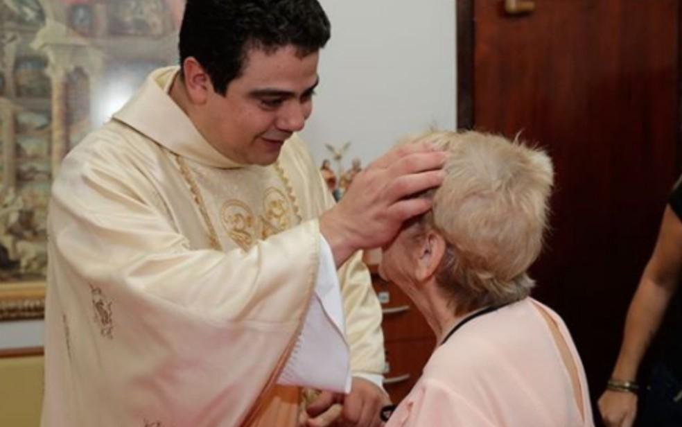 Padre Robson Oliveira Pereira Associação Filhos do Pai Eterno Afipe Trindade Goiás — Foto: Reprodução/Instagram