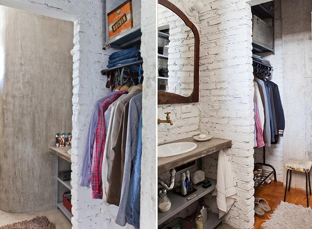 Até apartamentos pequenos podem ter um espaço especial para roupas. Aqui, o closet tem 1 m de largura e divide o espaço com o banheiro. Reformado pelo arquiteto Gustavo Calazans (Foto: Lufe Gomes)