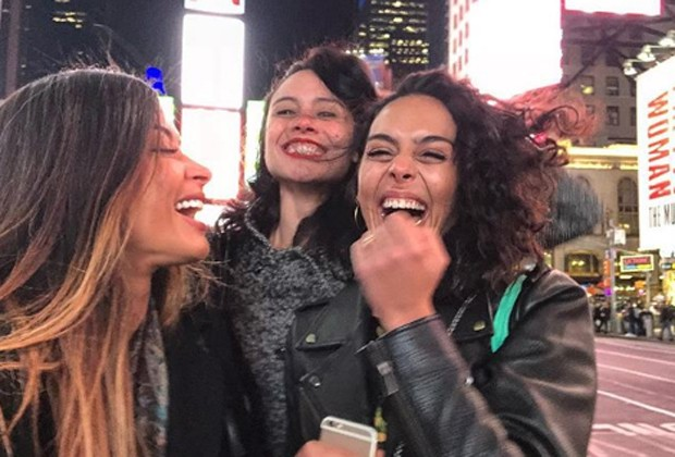 Aline Riscado se diverte com amigas em Nova York (Foto: Reprodução/Instagram)