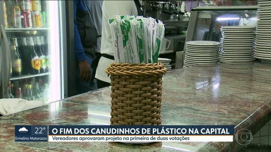 Câmara da capital aprova, em primeira votação, fim do comércio de canudos de plástico
