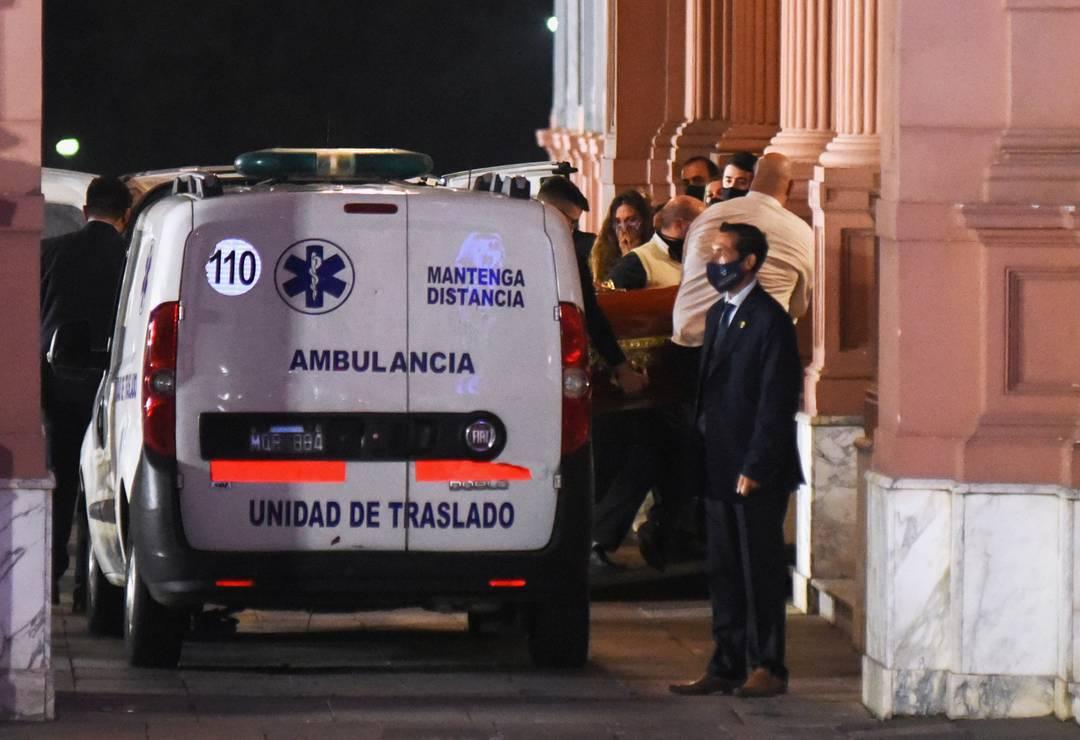 Corpo de Maradona chegando à Casa Rosada