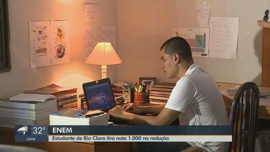 Autor de redação nota mil no Enem estudou sozinho e fez cursinho online pago pelo irmão