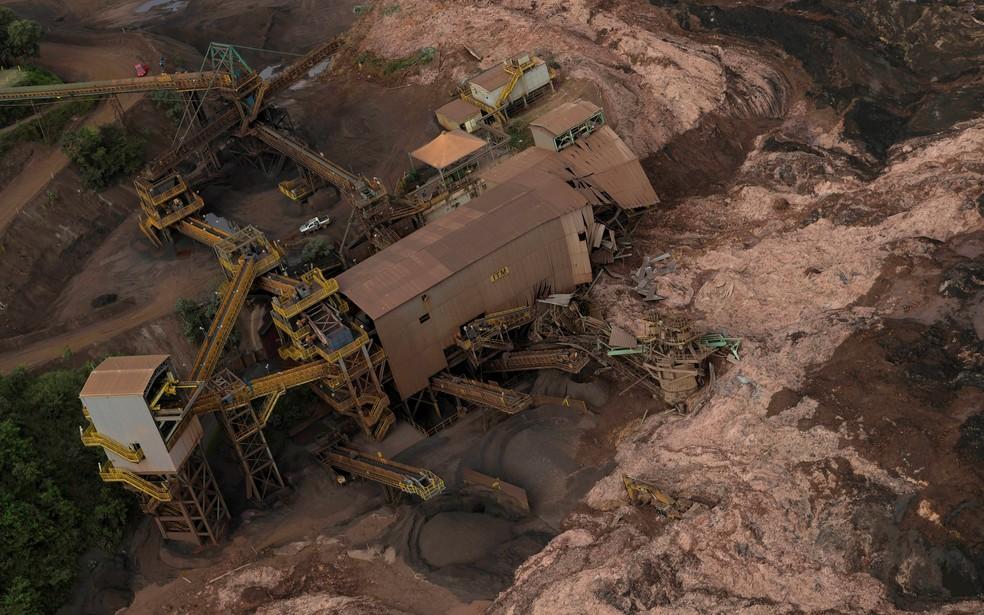 Vista aérea de barragem da Vale que rompeu em Brumadinho, MG — Foto: Washington Alves/Reuters