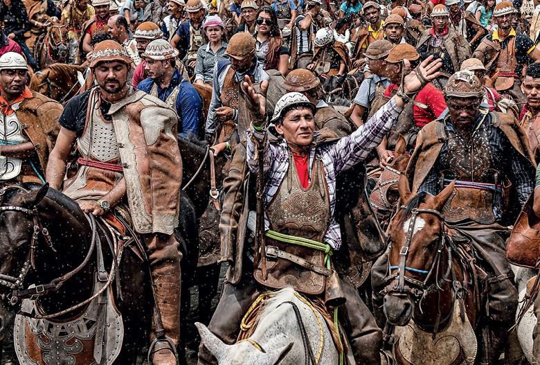 Vaqueiros do Pajeú - os devotos na Missa do Vaqueiro, em Serra Talhada (Foto: José Medeiros)