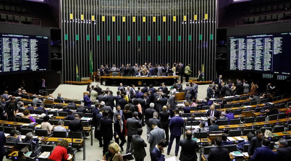 Deputados reunidos no plenário da Câmara durante a sessão desta quarta-feira (9) — Foto: Luis Macedo/Câmara dos Deputados