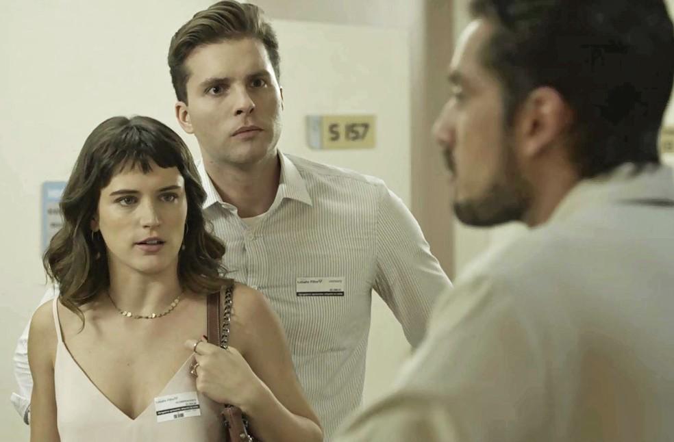 Clara é direta e diz que não gostaria nem de falar com o ex (Foto: TV Globo)