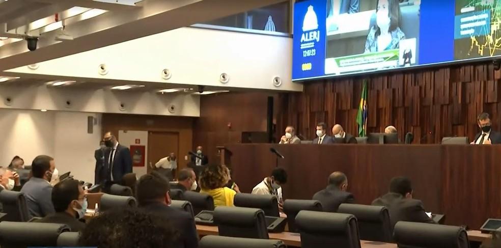 Parlamentares da Alerj discutem a criação de um teto de gastos para o Estado. — Foto: Reprodução/TV Globo