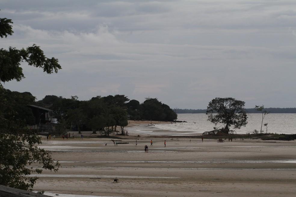 -  A ilha de Outeiro, distante 25 quilômetros de Belém, abriga cerca de 80 mil habitantes.  Foto: Agência Belém