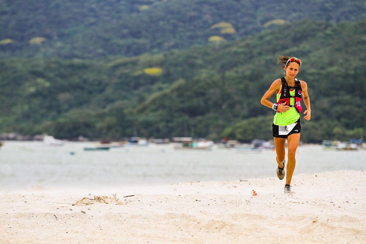 Rosália no final da prova dos 160km na Costa Esmeralda
