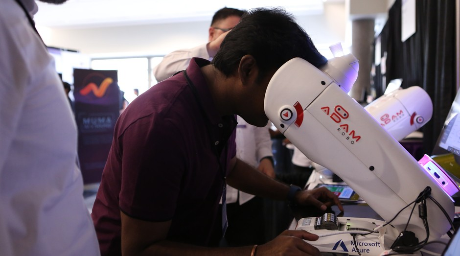 """Adam Robo, criado por uma startup brasileira, disputa prêmio na """"Copa das startups"""", realizado pela Microsoft (Foto: Divulgação)"""