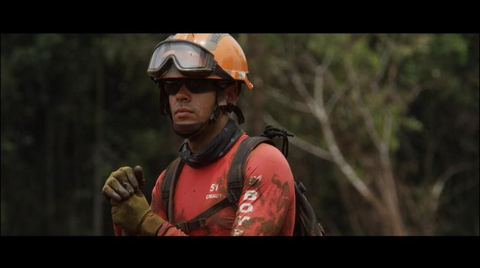 Aos 29 anos, Tenente Tiago já atuou em Mariana, Brumadinho e em Moçambique — Foto: Corpo de Bombeiros