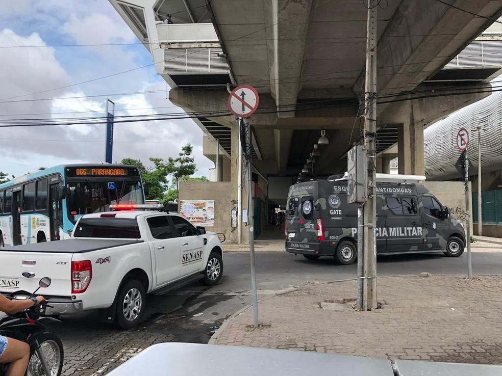 Esquadrão localizou material explosivo na estação do VLT do Bairro Parangaba, em Fortaleza — Foto: José Leomar/SVM