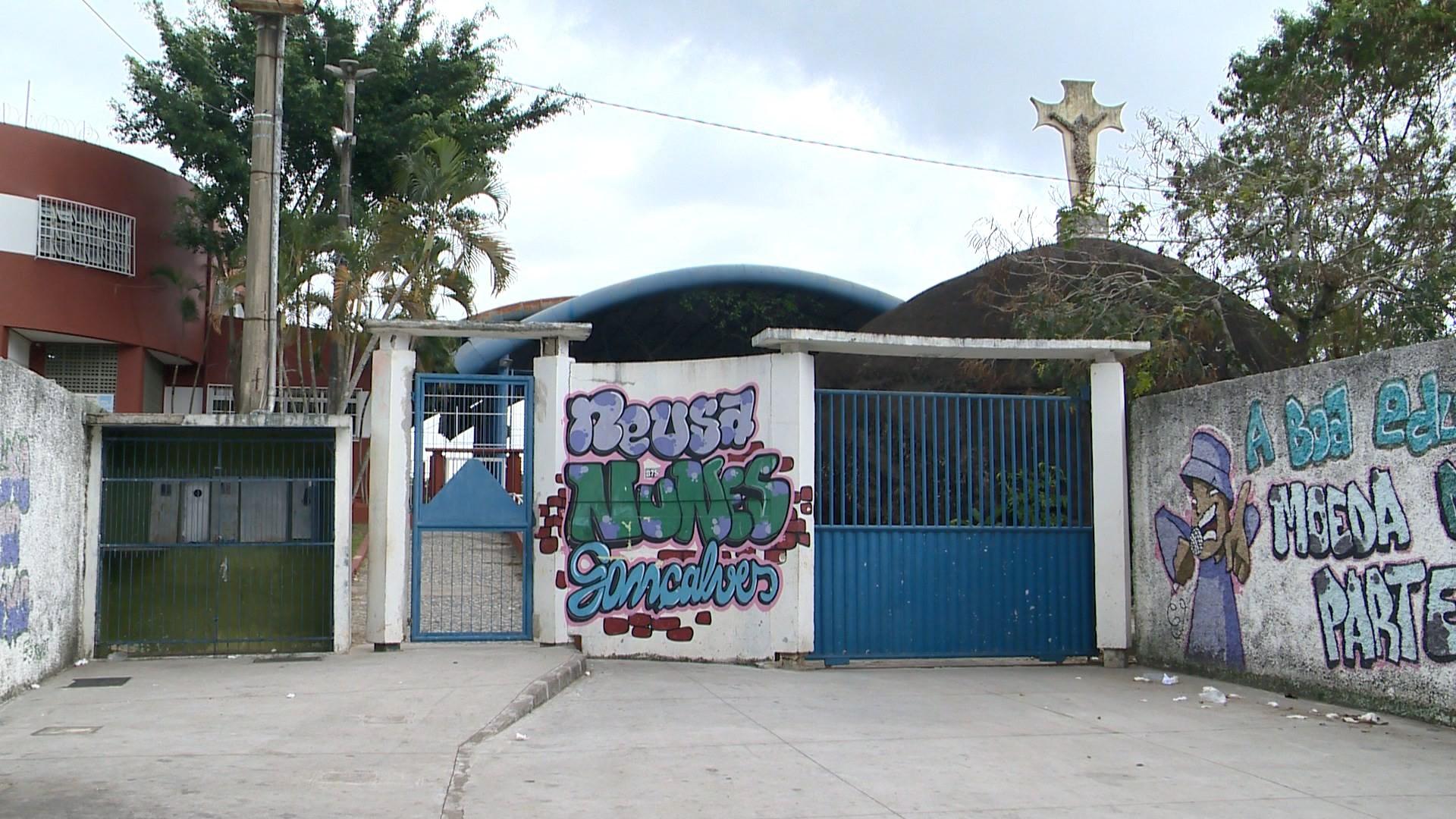 Escola de Vitória tem aulas presenciais suspensas por conta da violência