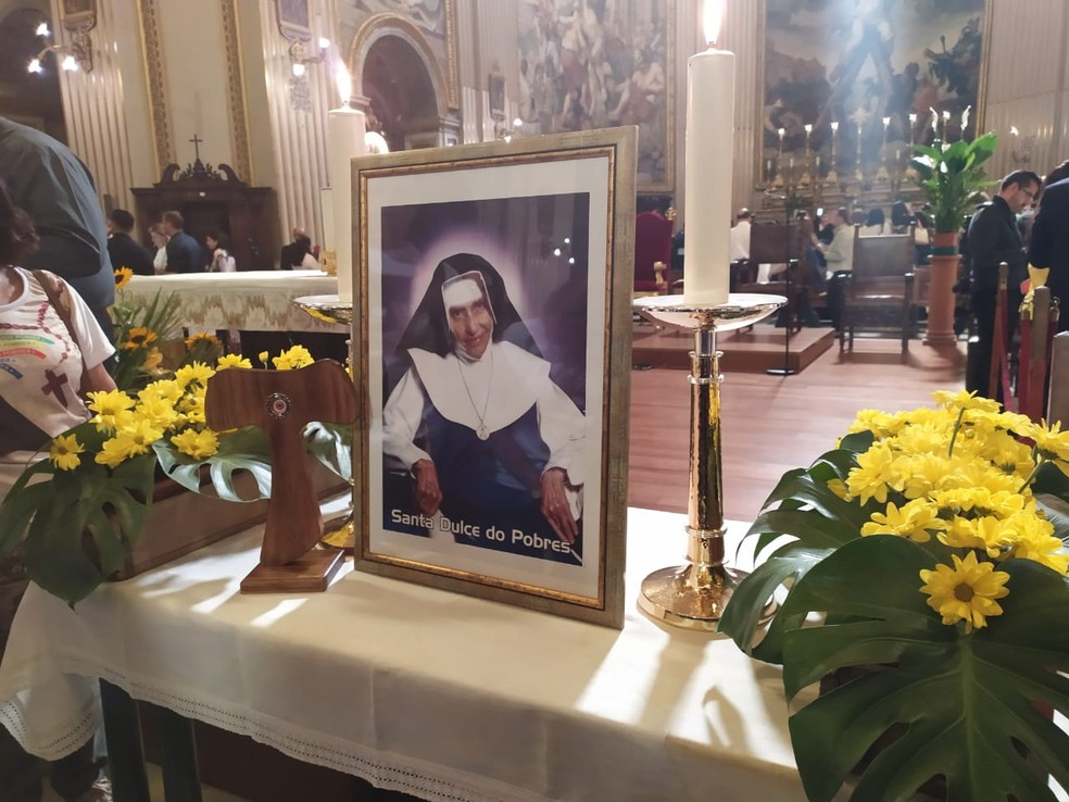 Irmã Dulce foi canonizada em cerimônia realizada no domingo (13), no Vaticano — Foto: Maiana Belo/G1 Bahia