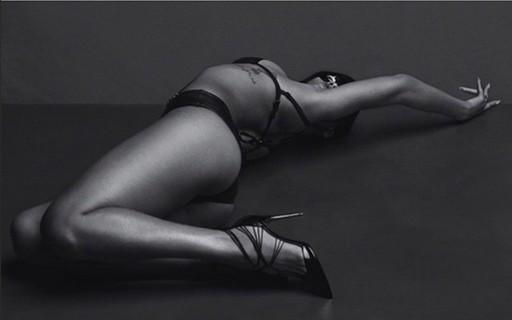 Rihanna em poses supersexy pra Another Magazine