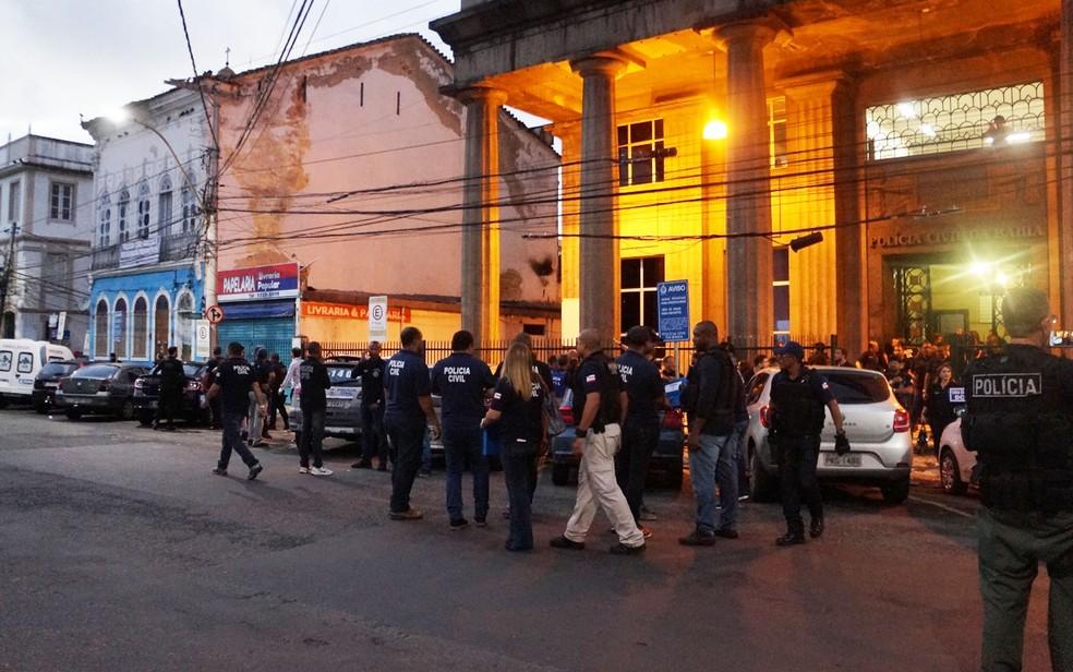 Operação nacional cumpre mandados de busca e apreensão na Bahia  (Foto: Caroline Araújo/ Polícia Civil)